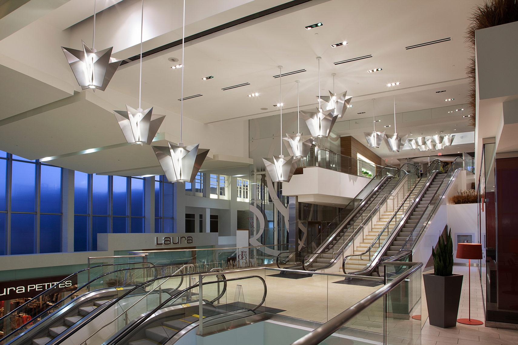 Gabriel Mackinnon Architectural Lighting, Yorkdale Mall, Toronto, Canada