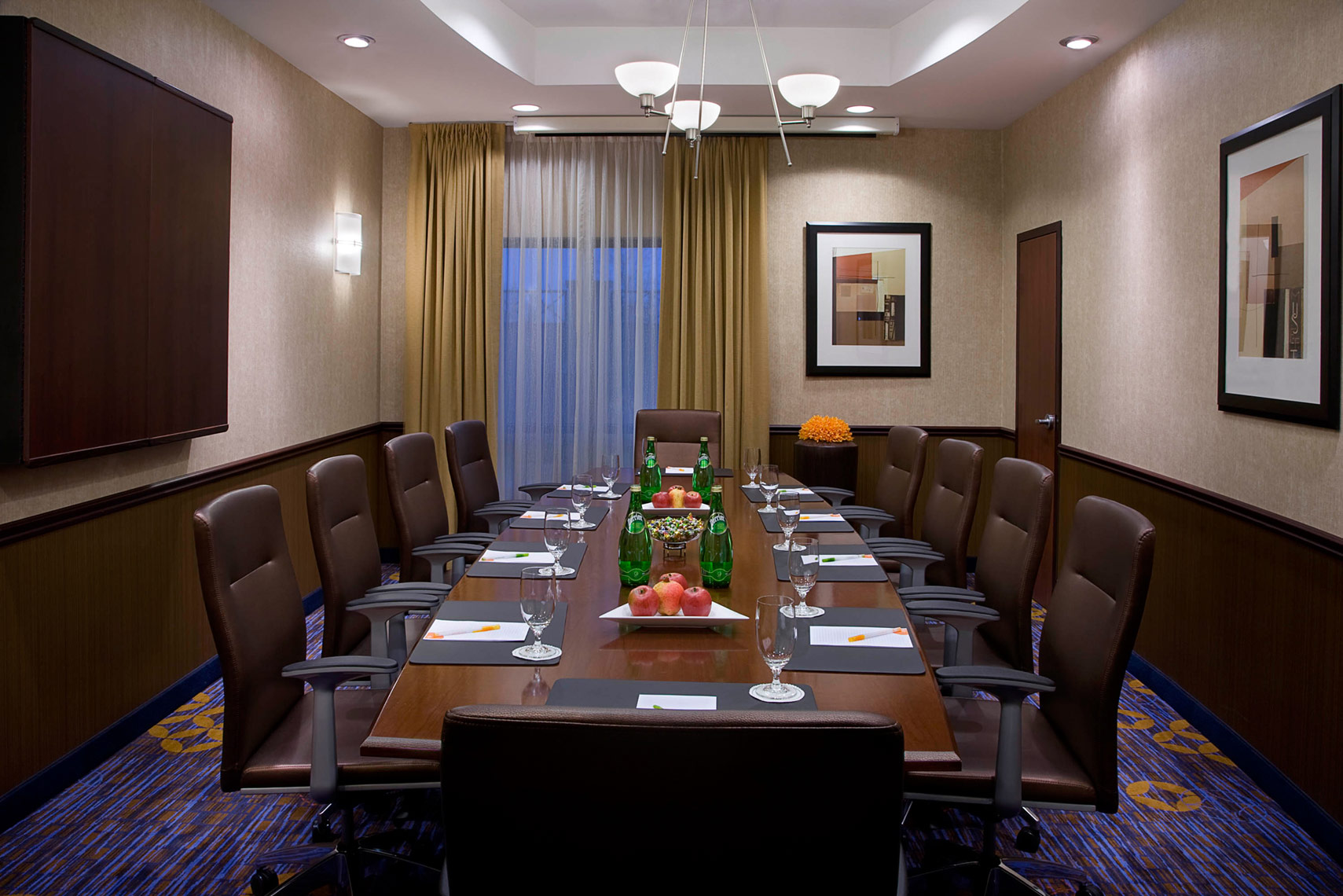 Hospitality-Hotel-Boardroom-Marriot-Courtyard