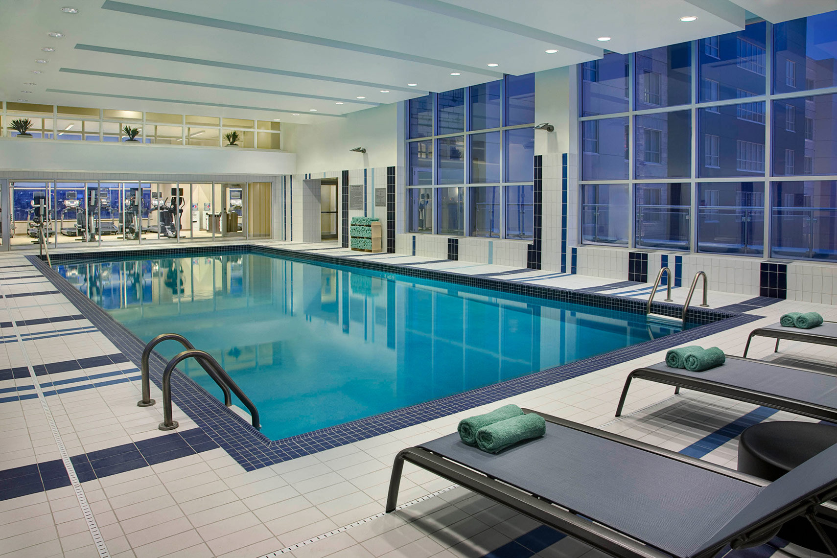 Hospitality-Hotel-Marriott-Courtyard-Pool-Calgary