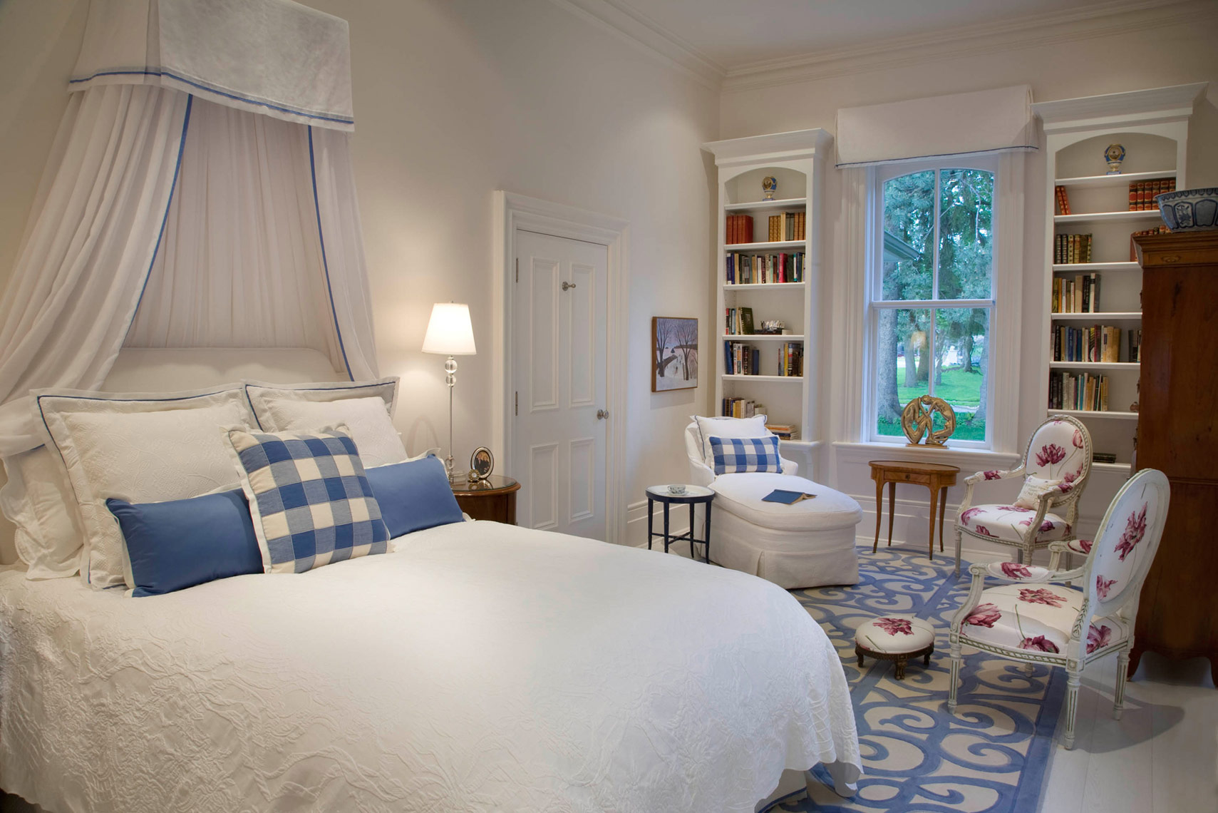 Residential-Interior-StratfordCottage-master-bed
